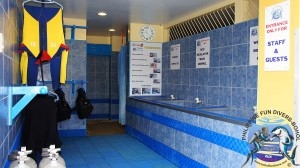 Philippine Fun Divers Alona Beach Panglao Bohol Rinsing & Pre-drying Area 1