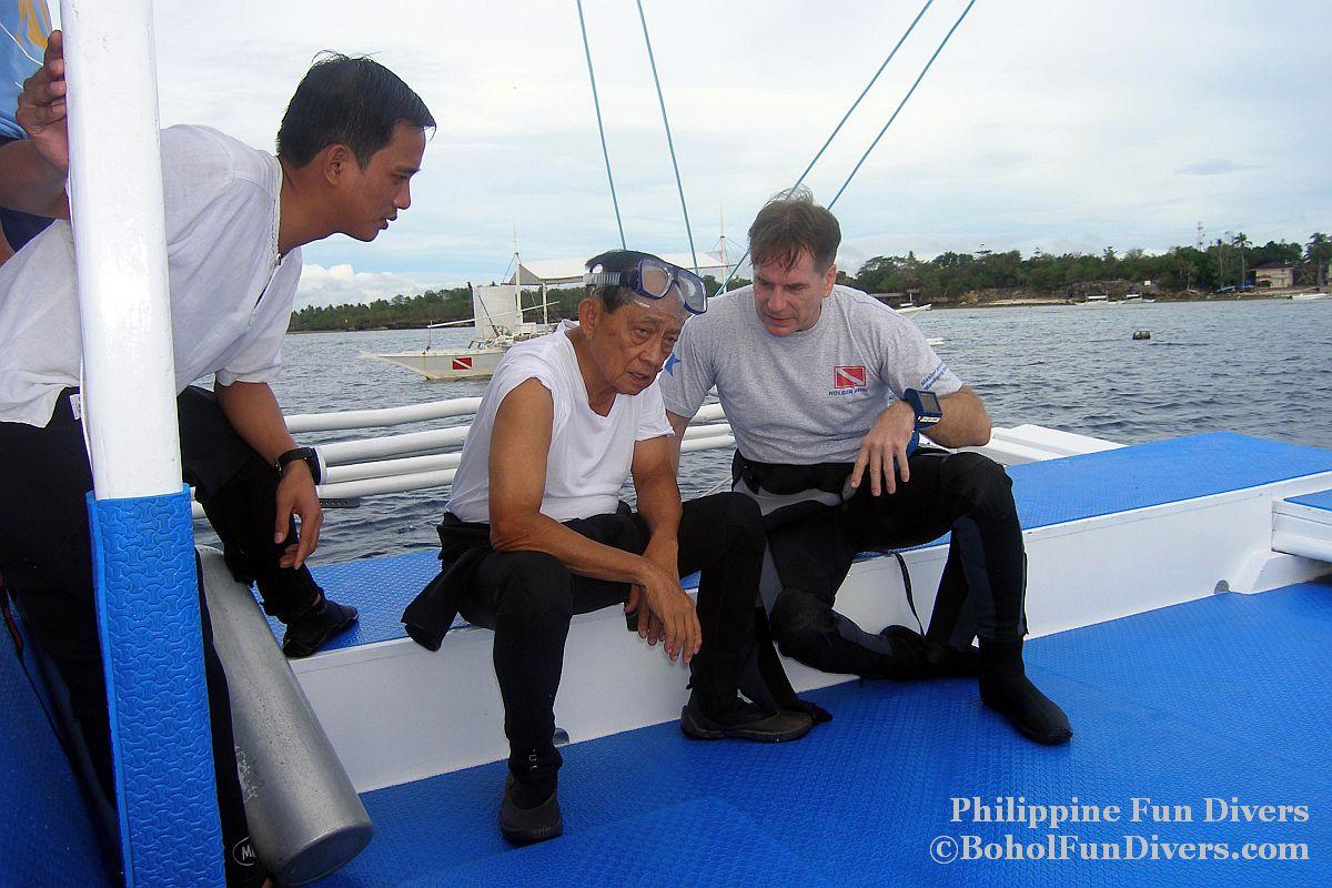 Philippine Fun Divers - Divers Alona Beach Panglao Bohol President Ramos 4