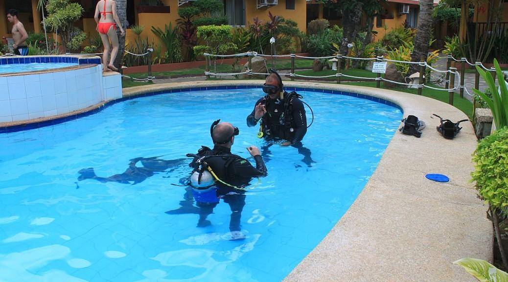 PADI Pool Training Session